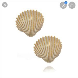Edwin Pearl gold and white scallop shell earrings